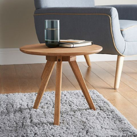 Small Round Light Oak 3 Legged Side Table